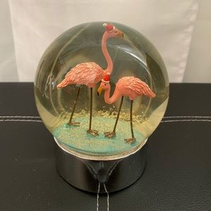 CHRISTMAS SANTA HATS PINK FLAMINGO SNOW GLOBE